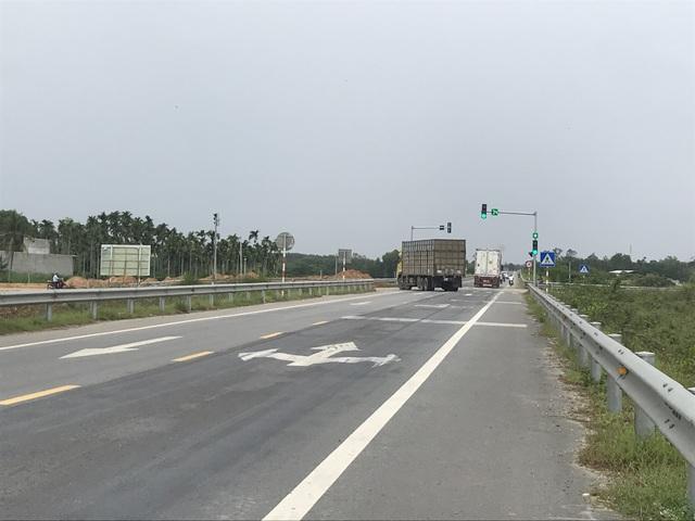 Luống cày trên đường dẫn cao tốc Đà Nẵng - Quảng Ngãi - 6