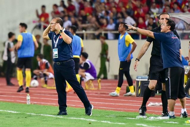 Cảm xúc đặc biệt của HLV Park Hang Seo trong chiến thắng trước Malaysia - 12