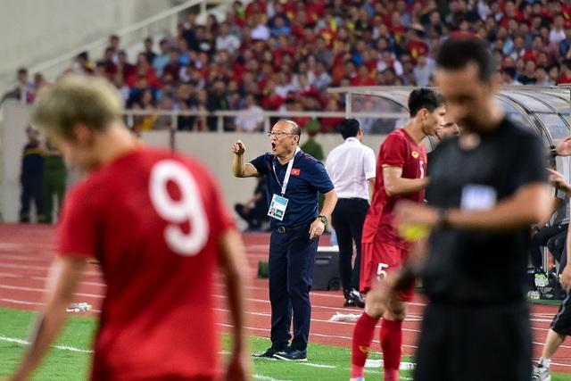 Cảm xúc đặc biệt của HLV Park Hang Seo trong chiến thắng trước Malaysia - 15