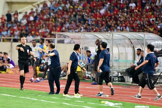 Cảm xúc đặc biệt của HLV Park Hang Seo trong chiến thắng trước Malaysia - 13