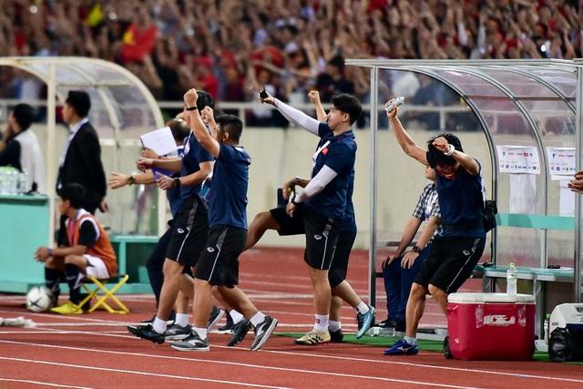 Cảm xúc đặc biệt của HLV Park Hang Seo trong chiến thắng trước Malaysia - 5