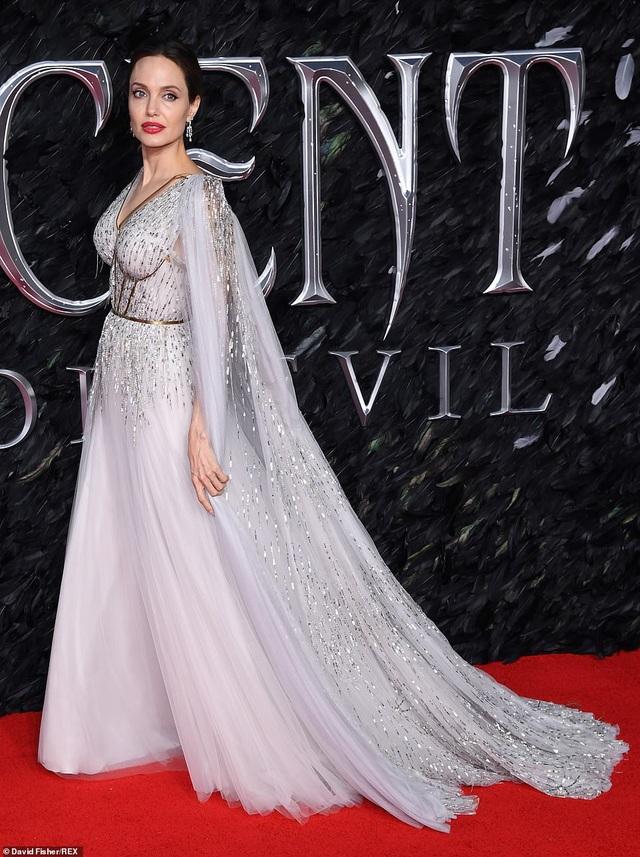 Angelina Jolie thanh lịch quảng bá phim tại London - 3