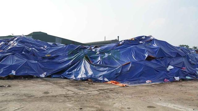 Cận cảnh kho chứa hơn 2.500 tấn phế thải từ vụ cháy Công ty Rạng Đông - 1