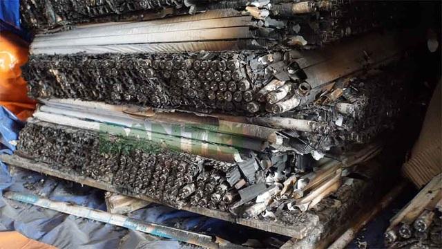 Cận cảnh kho chứa hơn 2.500 tấn phế thải từ vụ cháy Công ty Rạng Đông - 13