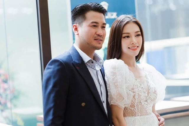 Hot girl Linh Rin ra mắt cha mẹ thiếu gia Phillip Nguyễn, chuyện vui đã rất gần? - 2