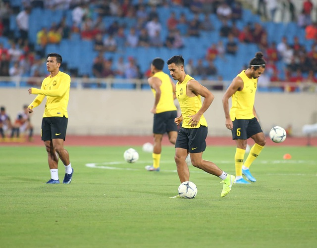 Việt Nam 1-0 Malaysia: Quang Hải ghi bàn đẳng cấp - 26