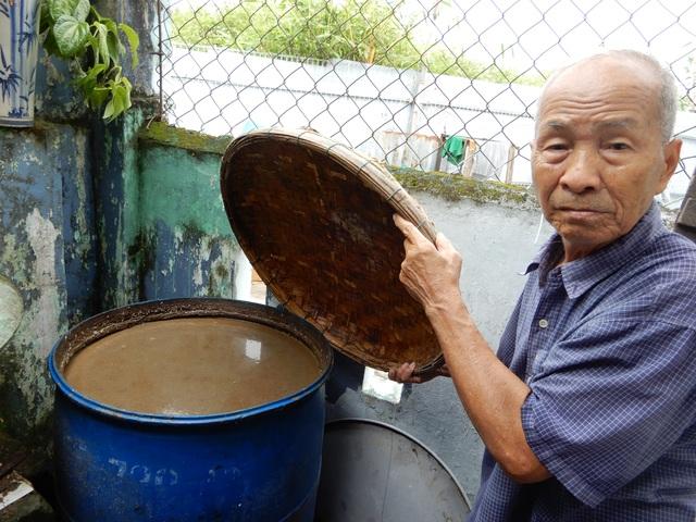 Về Nam Ô xem nghề làm nước mắm truyền thống - 1