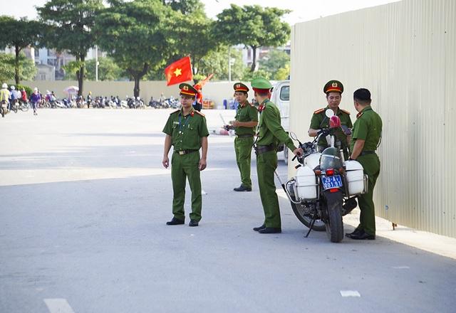 An ninh thắt chặt bảo vệ trận đấu Việt Nam và Malaysia - 8