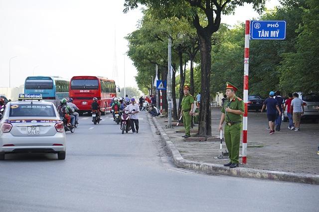 An ninh thắt chặt bảo vệ trận đấu Việt Nam và Malaysia - 6