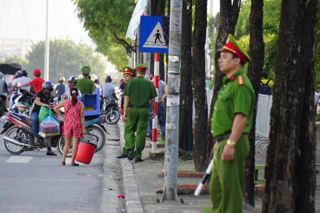 An ninh thắt chặt bảo vệ trận đấu Việt Nam và Malaysia - 4