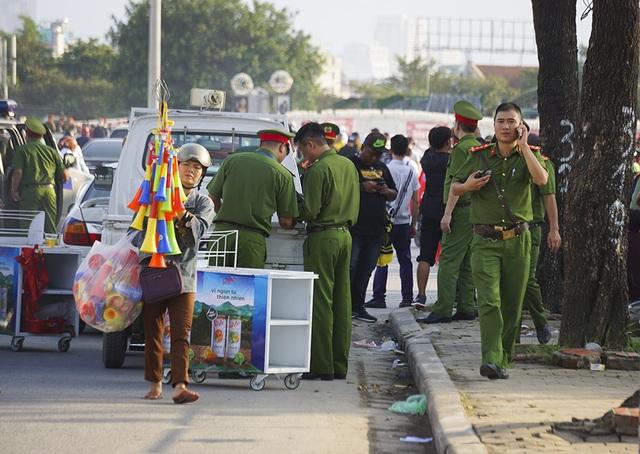 An ninh thắt chặt bảo vệ trận đấu Việt Nam và Malaysia - 3