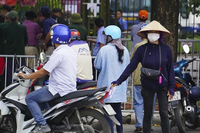 Vé chợ đen trận Việt Nam - Malaysia vẫn bị thổi giá cao ngất - 8