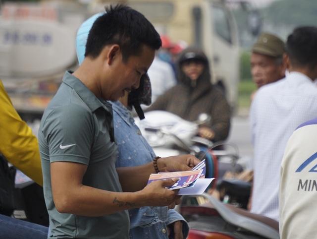 Vé chợ đen trận Việt Nam - Malaysia vẫn bị thổi giá cao ngất - 4