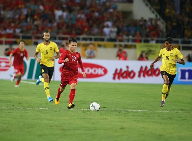 Việt Nam 1-0 Malaysia: Quang Hải ghi bàn đẳng cấp - 16