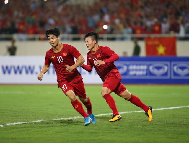 Việt Nam 1-0 Malaysia: Quang Hải ghi bàn đẳng cấp - 13