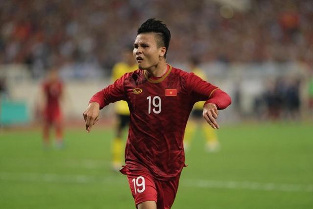 Việt Nam 1-0 Malaysia: Quang Hải ghi bàn đẳng cấp - 1
