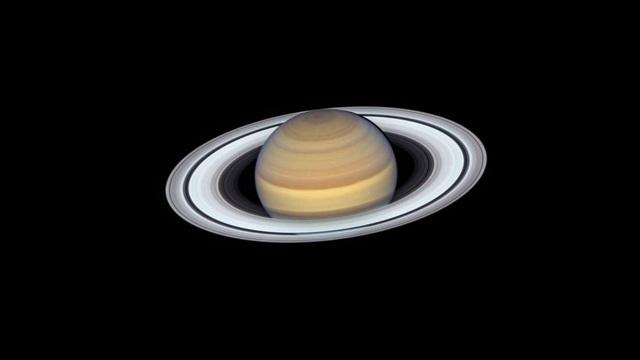 Sao Thổ chính thức trở thành hành tinh có nhiều vệ tinh nhất - 1