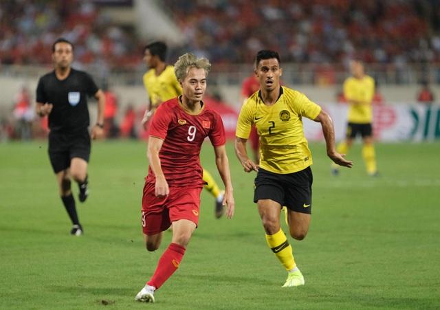 Việt Nam 1-0 Malaysia: Quang Hải ghi bàn đẳng cấp - 4