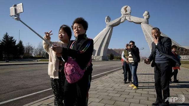 """Trung Quốc dùng """"lá bài"""" khách du lịch bành trướng tầm ảnh hưởng trên thế giới? - 1"""