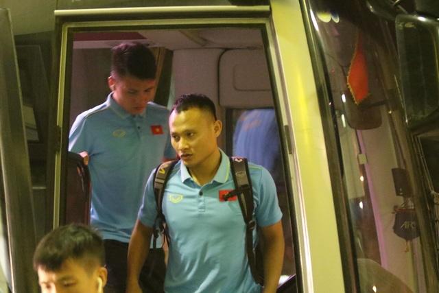 Đội tuyển Việt Nam nhận thưởng nóng 4 tỷ đồng, lên đường sang Indonesia lúc 3h sáng - 1