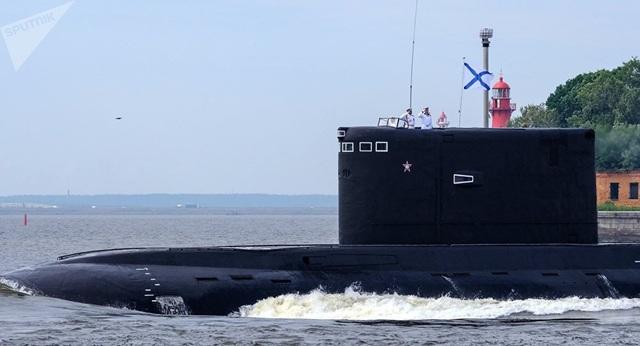 """Màn phóng tên lửa """"sát thủ"""" diệt mục tiêu của tàu ngầm Nga - 1"""