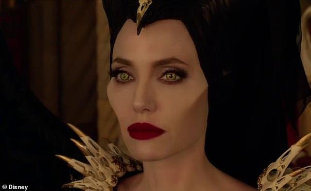 Angelina Jolie tươi tắn bên đồng nghiệp trẻ - 8