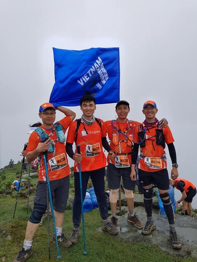 Giải marathon vượt núi lớn nhất Việt Nam Vietnam Mountain Marathon lần đầu trao giải cho nhóm chạy - 4
