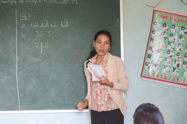 Cô giáo Banar mở lớp dạy chữ miễn phí cho học sinh vùng khó - 5