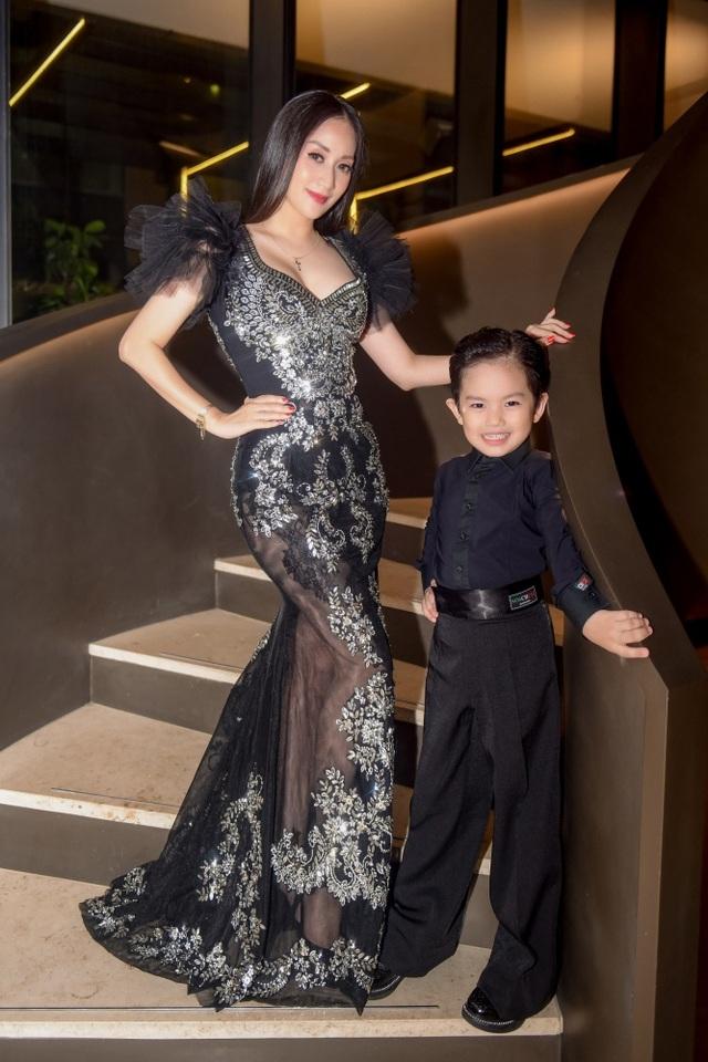 """Khánh Thi luôn muốn là """"số 1"""" trong mắt """"chồng trẻ"""" Phan Hiển - 2"""