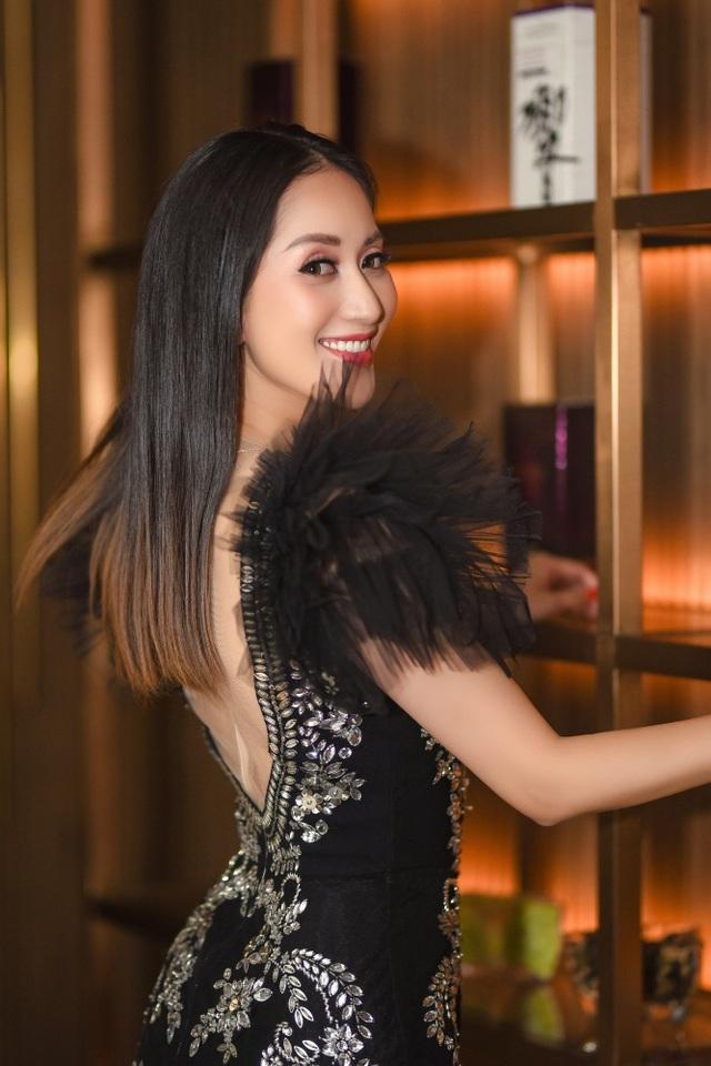"""Khánh Thi luôn muốn là """"số 1"""" trong mắt """"chồng trẻ"""" Phan Hiển - 17"""