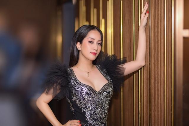 """Khánh Thi luôn muốn là """"số 1"""" trong mắt """"chồng trẻ"""" Phan Hiển - 15"""