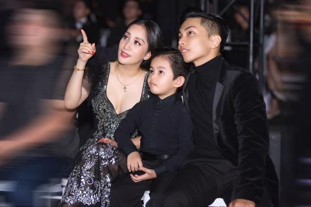 """Khánh Thi luôn muốn là """"số 1"""" trong mắt """"chồng trẻ"""" Phan Hiển - 14"""