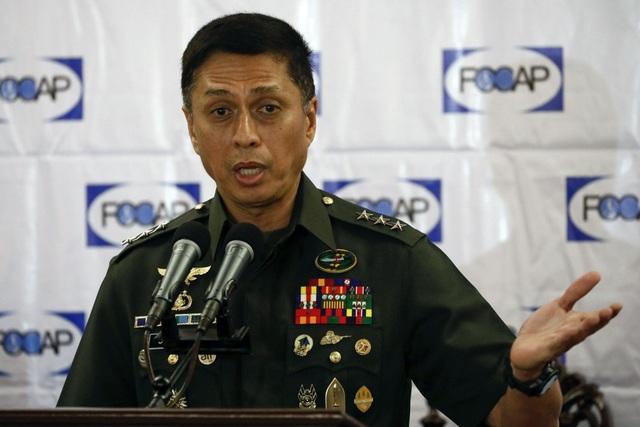 Tướng Philippines tiết lộ lý do chưa mua vũ khí Trung Quốc - 1
