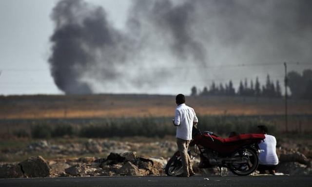 """Cuộc sống đảo lộn ở biên giới Thổ - Syria giữa lúc """"nước sôi lửa bỏng"""" - 1"""