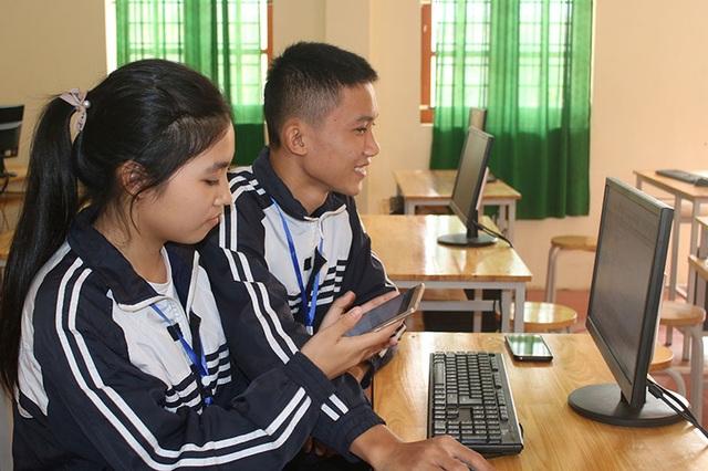 Hai học sinh lớp 12 sáng tạo ứng dụng nhập điểm bằng giọng nói trên smartphone - 1