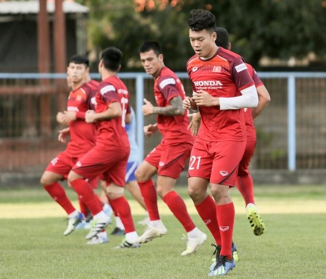 Đội tuyển Việt Nam hứng khởi luyện công, HLV Park Hang Seo nhận tin vui - 7