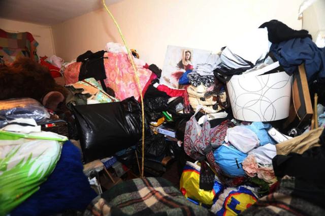 Hi hữu: Gia chủ bị đuổi khỏi nhà mình vì tích trữ quá nhiều… đồ đạc! - 3