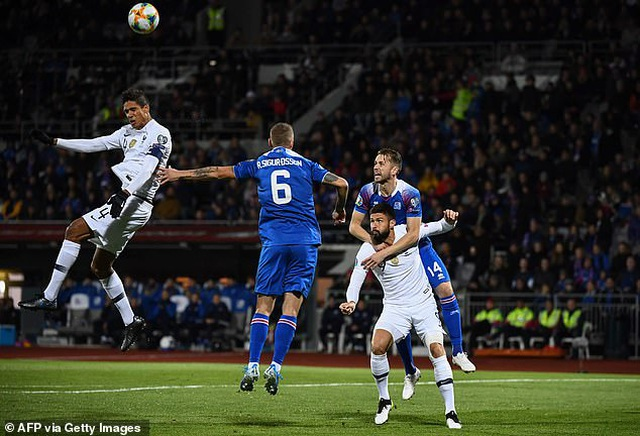 Giroud ghi bàn từ chấm phạt đền giúp Pháp vượt ải Iceland - 3