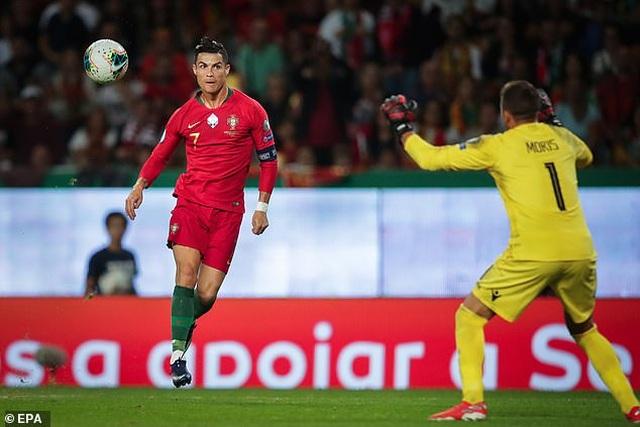 C.Ronaldo ghi bàn thứ 699 trong sự nghiệp, Bồ Đào Nha đại thắng - 2