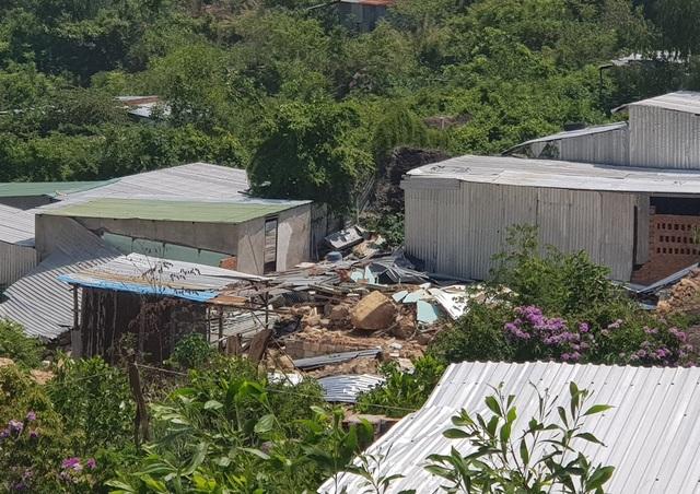 Một năm sau vụ lở núi, người dân quay lại nơi xảy ra thảm hoạ sinh sống - 2