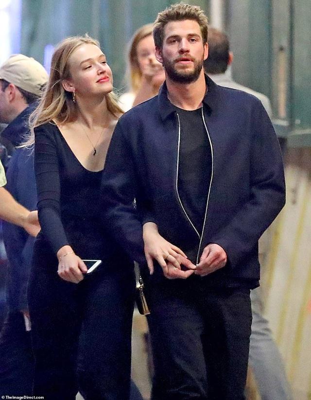 Liam Hemsworth đã có bạn gái mới - 3