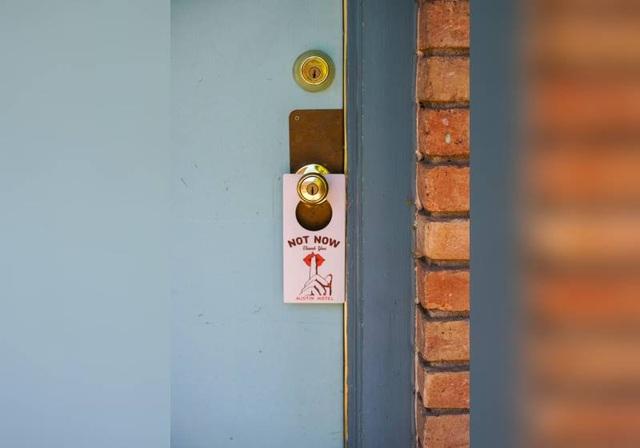 Khách sạn sang trọng với phòng tắm xuyên thấu trở thành cứu tinh hâm nóng tình yêu - 4
