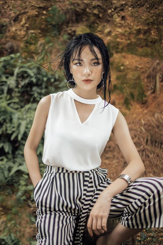 """4 nữ du học sinh Việt xinh đẹp """"thần thái"""" không kém hot girl - 7"""
