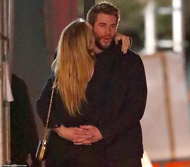 Liam Hemsworth đã có bạn gái mới - 5