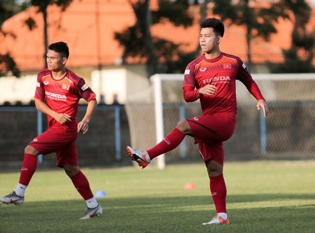 Đội tuyển Việt Nam hứng khởi luyện công, HLV Park Hang Seo nhận tin vui - 4