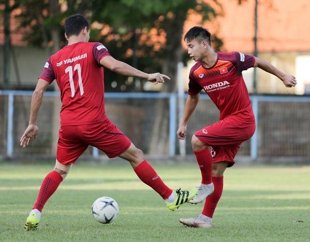Đội tuyển Việt Nam hứng khởi luyện công, HLV Park Hang Seo nhận tin vui - 5