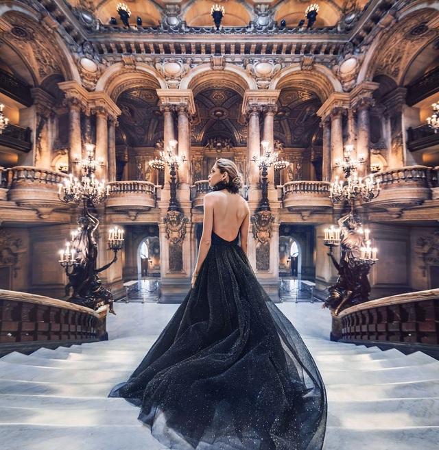 Khi các thắng cảnh du lịch làm nền cho mỹ nhân trong những chiếc đầm tuyệt đẹp - 14
