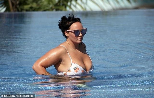 Chanelle Hayes tự tin diện áo tắm sau khi giảm gần 20 kg - 6
