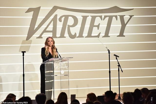 Jennifer Aniston xinh đẹp đáng ngưỡng mộ ở tuổi 50 - 31