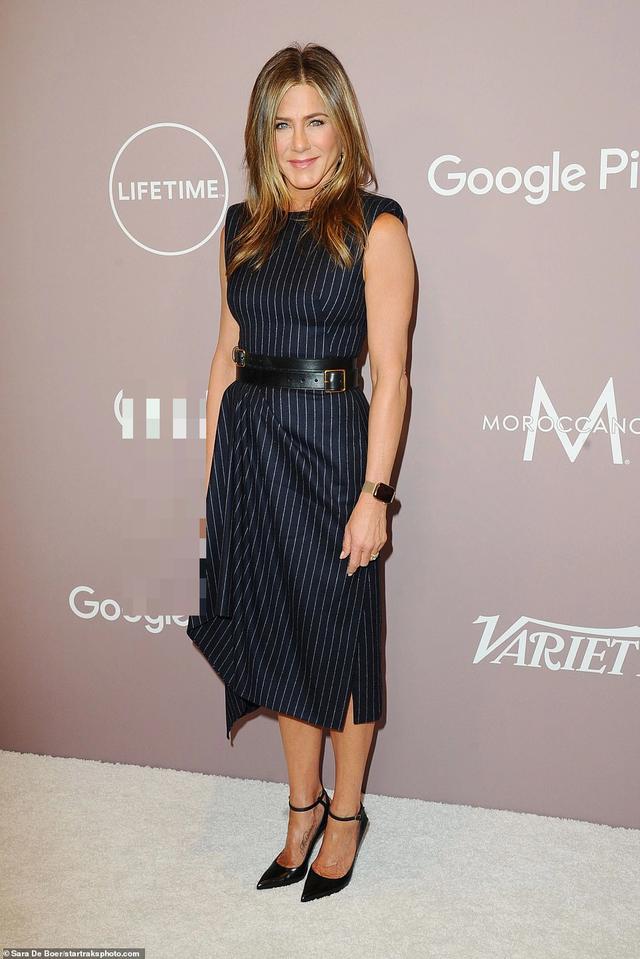 Jennifer Aniston xinh đẹp đáng ngưỡng mộ ở tuổi 50 - 1